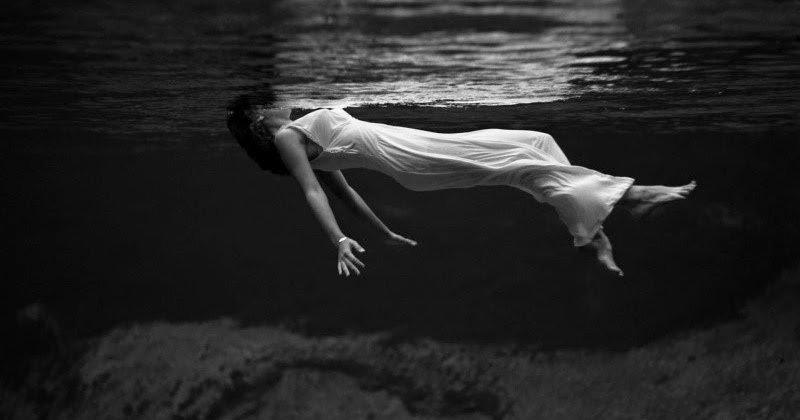 fondo-android-mujer-nadando